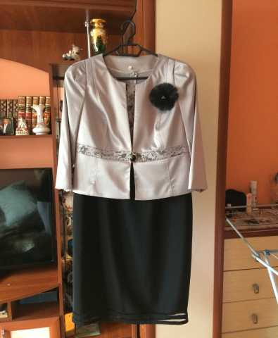 Продам Костюм-двойка (Платье+Пиджак)