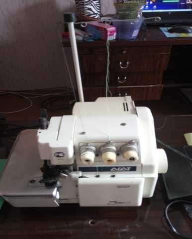 Продам машина швейная стачивающе -обметочначная