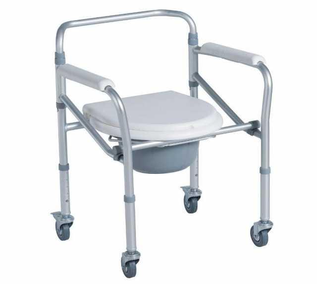 Отдам даром Cанитарный стул на колесиках для инвалид