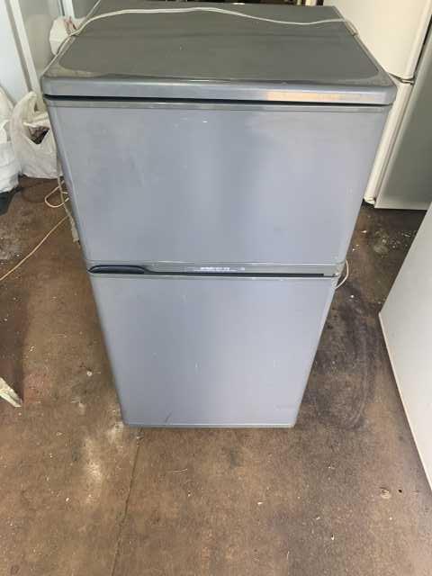 Продам компактный японский холодильник