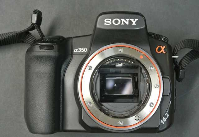Продам Sony Alpha DSLR-A350 CAMARA BODY WITH DT