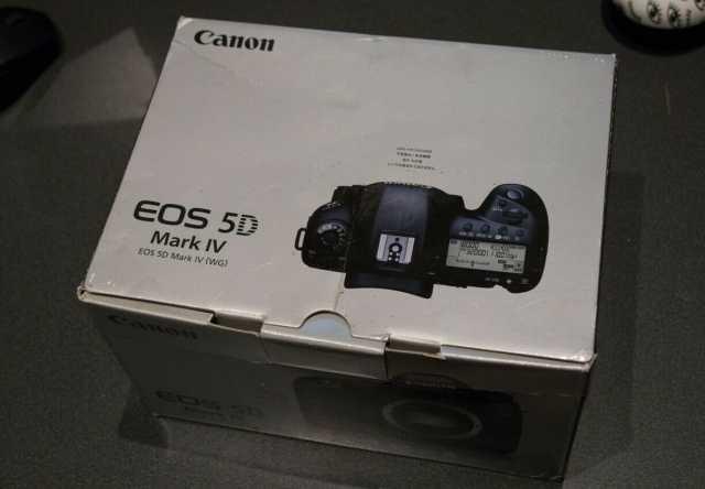 Продам Canon EOS 5D Mark IV EF 24-105 мм f / 4