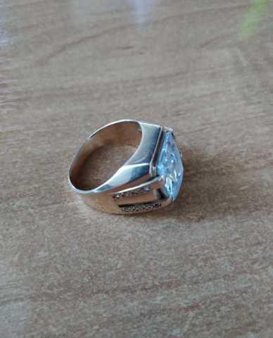 Продам Перстень золотой