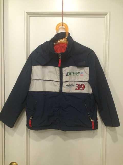 Продам Куртка ветровка на мальчика 6-8 лет