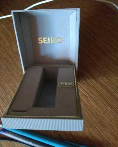 Продам Футляр часов Seiko. Серый