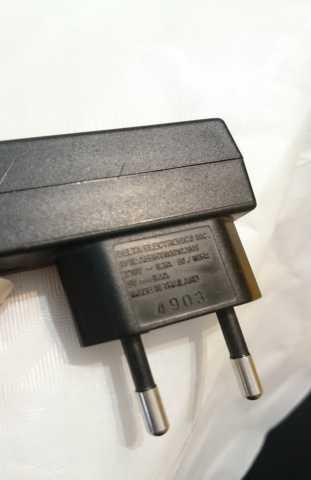 Продам: Зарядные ус-ва для сотовых Siemens и LG