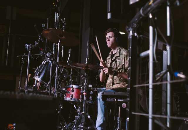 Предложение: Уроки игры на барабанах