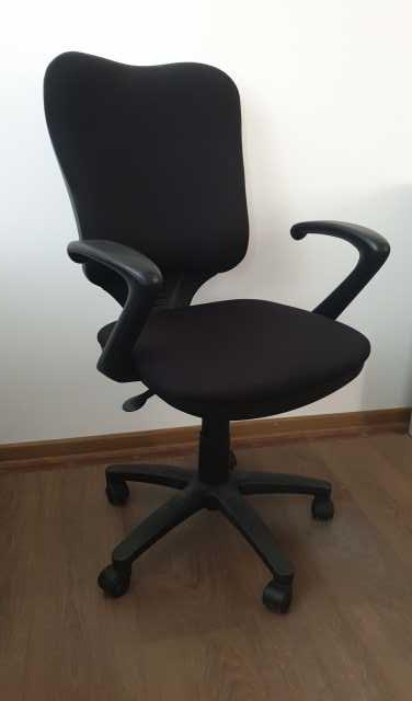 Продам: Офисное компьютерное кресло