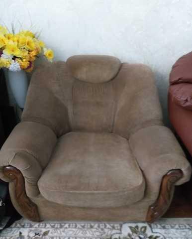 Продам мягкое кресло