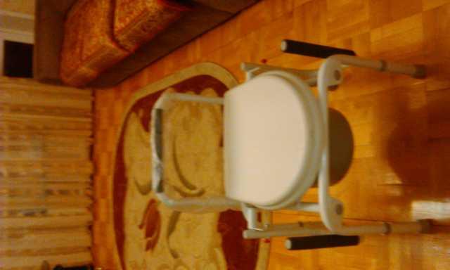 Продам Кресло-стул с санитарным оснащением для