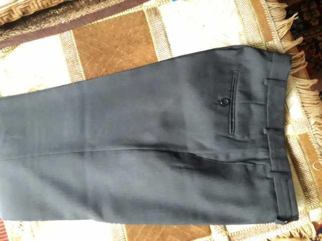 Продам: Брюки мужские темно серого цвета