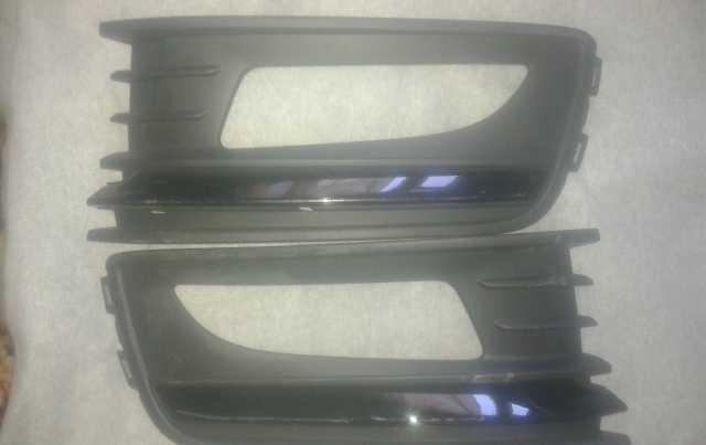 Продам: Решетки бампера VW Polо 3007630100