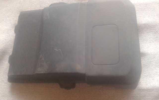 Продам: Крышка аккумулятора Focus II