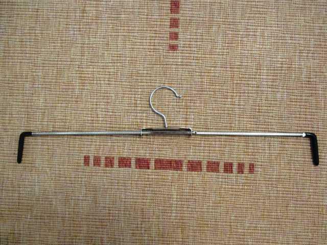 Предложение: Вешалка-плечики металлические раздвижные