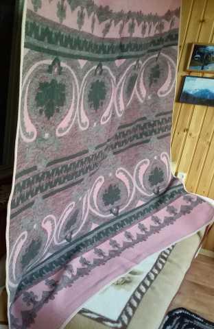 Продам: 2 шерстяных одеяла бу в отличном состоян