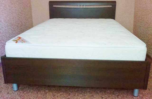Продам Кровать с анатомическим матрасом
