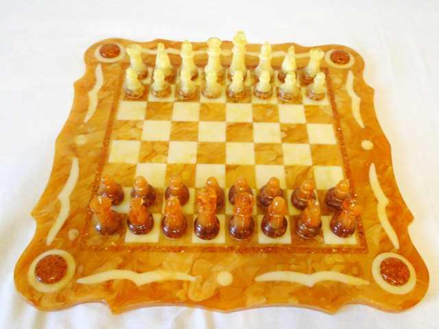 Продам Шахматы янтарные, малые