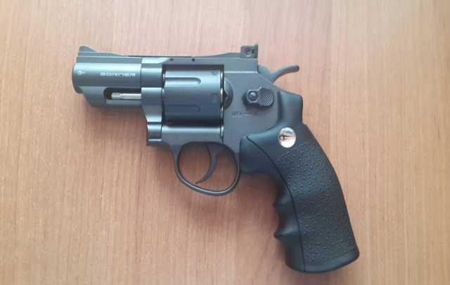 Продам Пневматический револьвер Borner 708