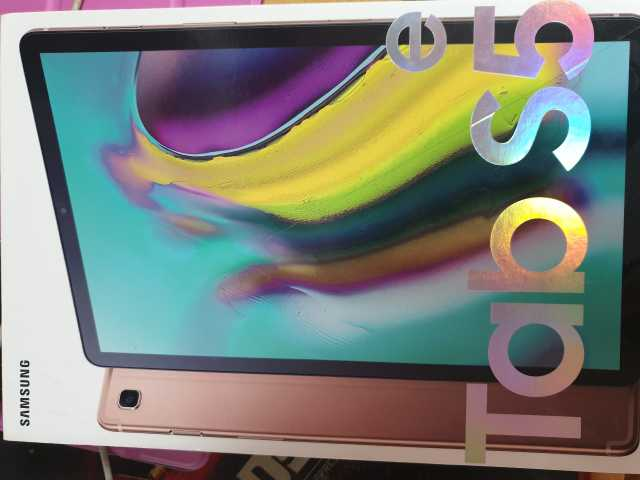Продам Samsung Galaxy Tab S5e 64Gb Wi-Fi+4G