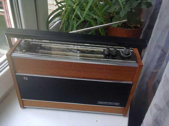 Куплю: Радиоприёмник Рига103