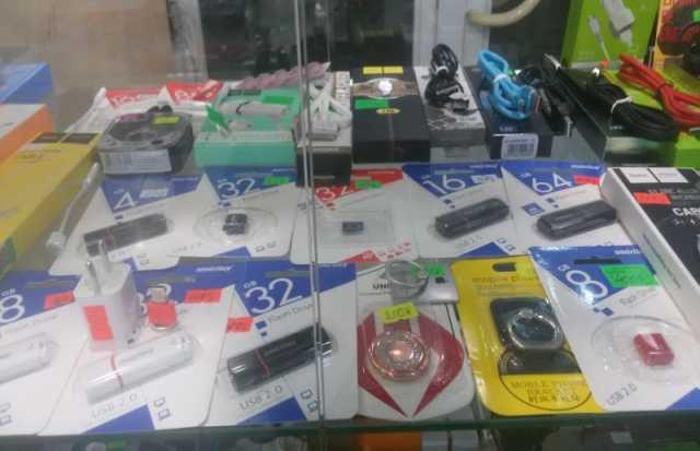 Продам – зарядки к ноутбукам, планшетам, сотовы