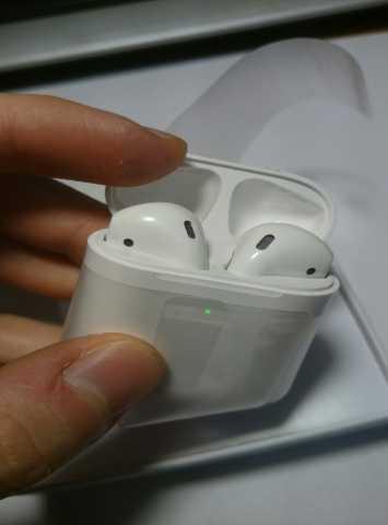 Продам Apple AirPods 2