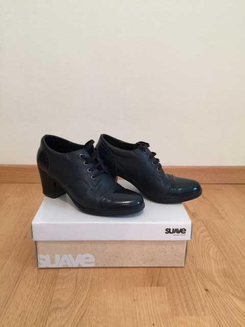 Продам ботинки темно-синие