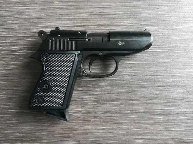 Продам Сигнальный пистолет Walther PPK S ( Bond