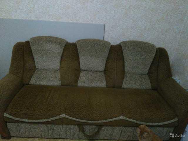 Продам: Диван+2 кресла