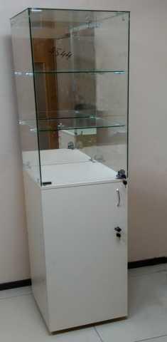 Продам: Витрина стеклянная пенал с зеркалом