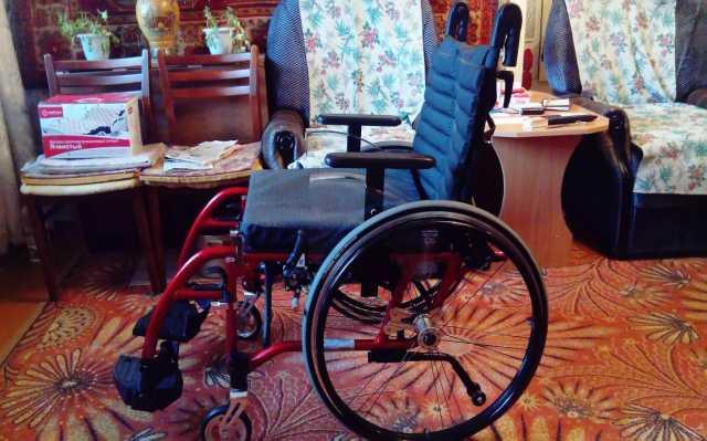 Продам: Инвалидная коляска