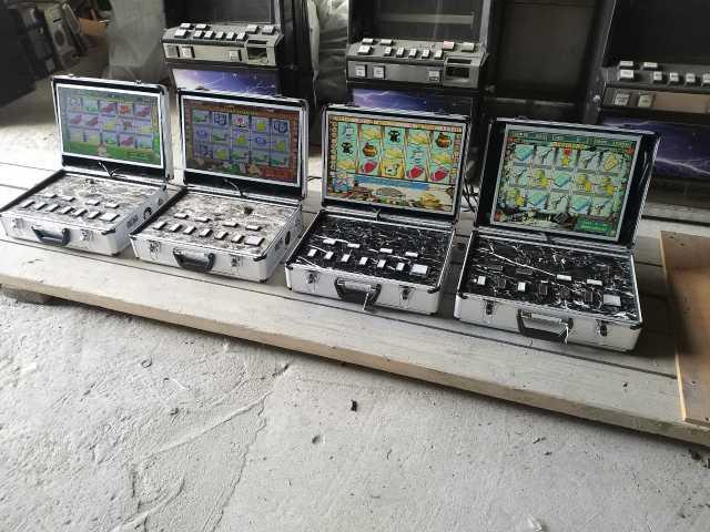 Продам Игровой автомат в чемодане
