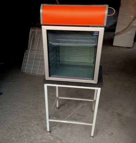 Продам Холодильник для бара Frigoglass CMV100 H