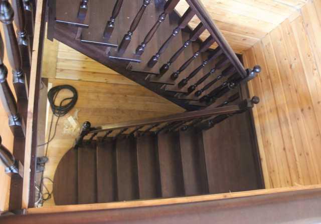 Продам: лестницы деревянные производство, монтаж