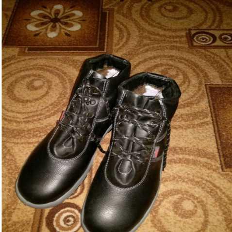 Продам Зимние рабочие ботинки