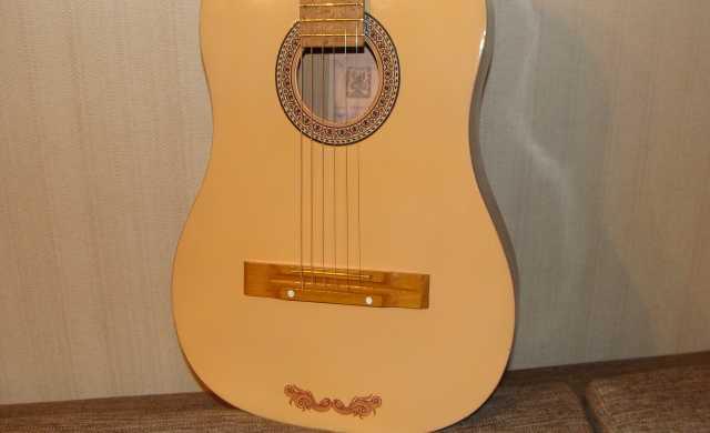 Продам Гитара 6-струнная, Кунгур
