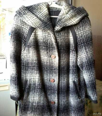Продам: Пальто с капюшоном р.52-54