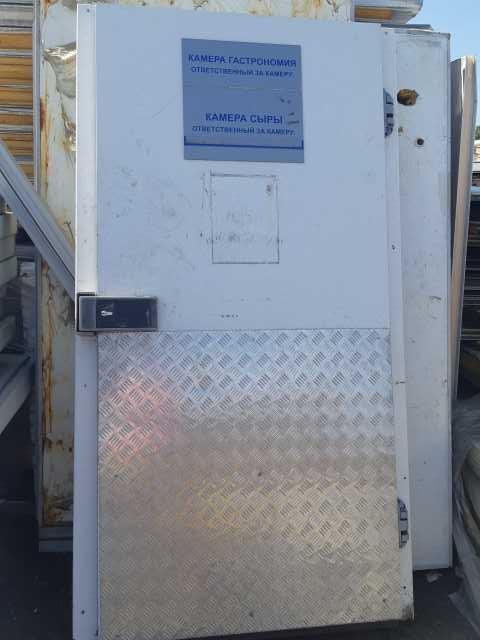 Продам Холодильные двери б/у