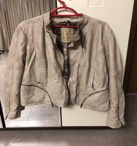 Продам: Брендовая новая куртка Guess