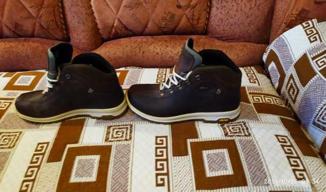 Продам: Итальянские утеплённые ботинки 44 размер