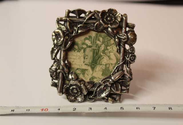 Продам: АНтикварная рамка серебро 84 пробы (Подр