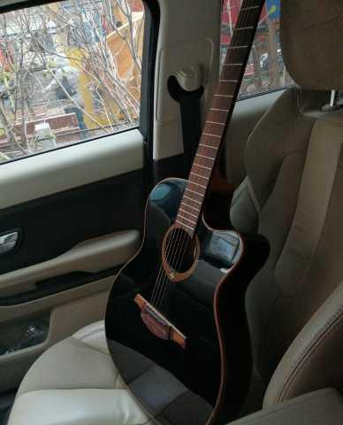 Продам Электрлакустическая гитара LAG Tramontan