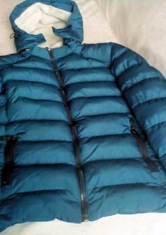Продам Теплая зимняя куртка на 10-12 лет