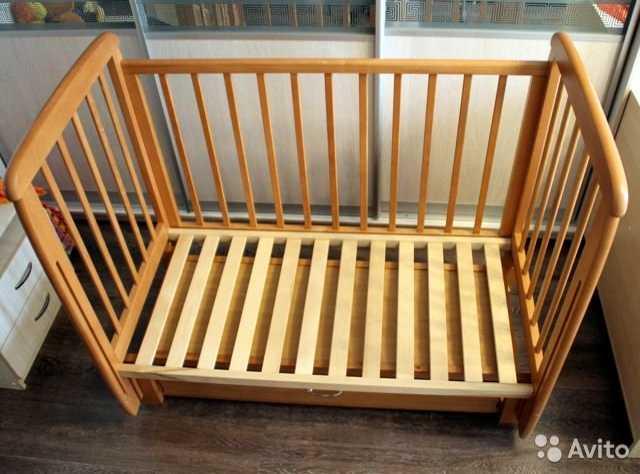 Продам Детская деревянная кроватка-маятник 120х