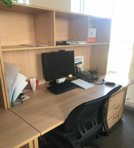 Продам Мебель офисная (столы, тумбы, шкафы)