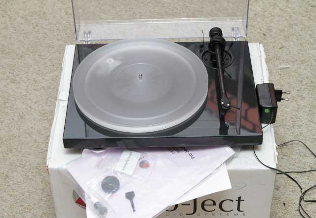 Продам проигрыватель Pro-Ject 1-Xpression III