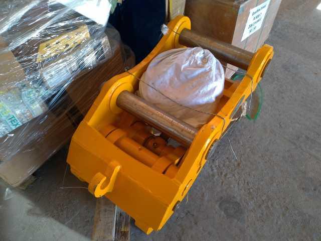 Продам: Быстросъём гидравлич ZX200-3 № Q345B