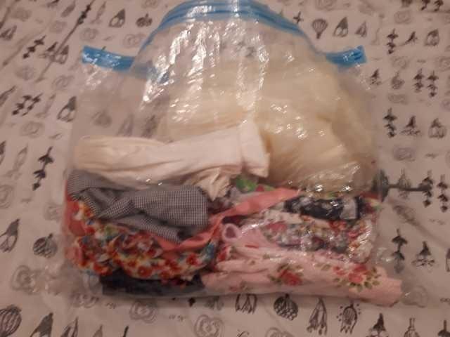 Продам пакет платья нарядные и в садик 15 шт