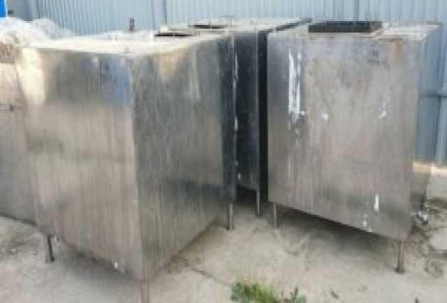 Продам Емкости нержавеющие,объем — 1 куб.м., кв