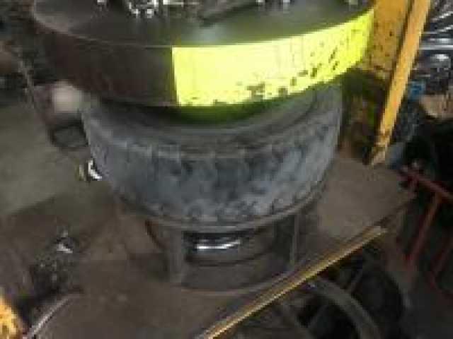 Предложение: Напрессовка цельнолитых шин на погрузчик